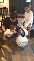 文青咖啡館走親子風 智慧機器人進駐說故事