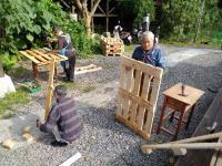 客家公園培訓遊民變木工  巧藝妝點園區