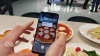 AI加AR 手機可即時翻譯算卡路里
