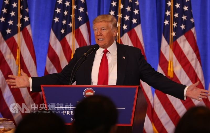 有消息人士表示,美國總統川普的政府正尋求對600億美元中國進口商品課徵關稅,並將鎖定科技和電信部門。(中央社檔案照片)