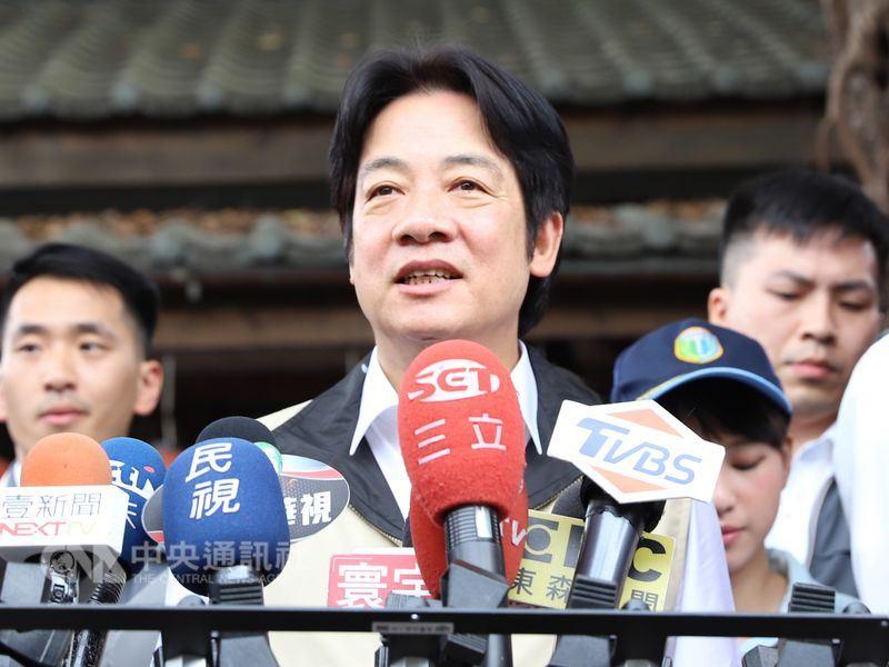 因行政院長賴清德的「台獨工作者」說,共軍18日將在台灣海峽舉行實彈射擊軍事演習,賴清德今天表示,不必隨之起舞,這是例行性軍演,政府都有掌握,民眾不必恐慌。中央社記者顧荃攝 107年4月14日