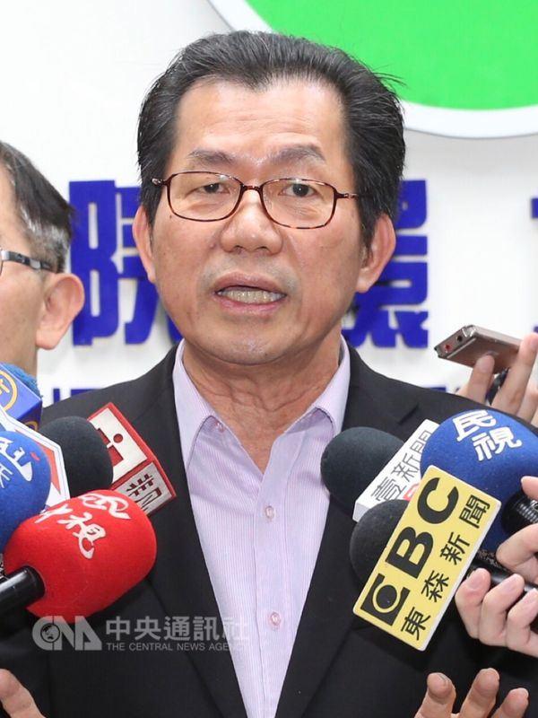 有居民要求重做深澳燃煤電廠環評,環保署長李應元說,環評制度讓台灣環境相對好很多,但幾乎沒有一件環評案是沒有爭議的,希望大家尊重環評程序。(中央社檔案照片)