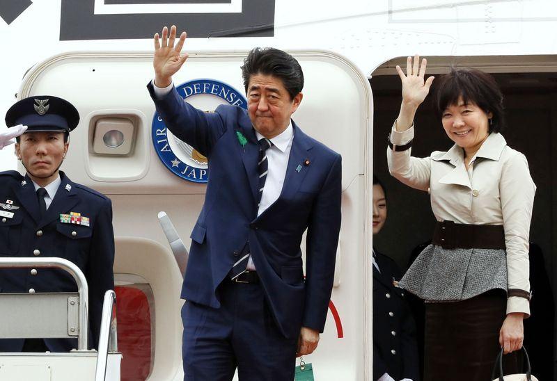 日本首相安倍晉三啟程訪美。(共同社提供)