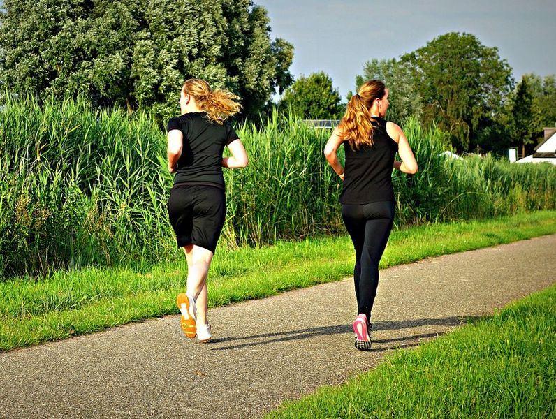 一項針對近500人所做的研究指出,儘管規律運動能改善輕度至中度失智症患者的體適能,「但並不會減緩認知障礙」。此為示意圖。(圖取自Pixabay圖庫)