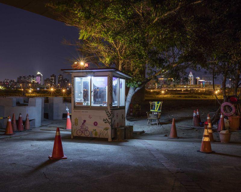 林俊耀這次被典藏的作品I'mgoinghome,拍攝台灣工地、停車場的警衛亭。(林俊耀提供)中央社記者鄭景雯傳真 107年6月13日