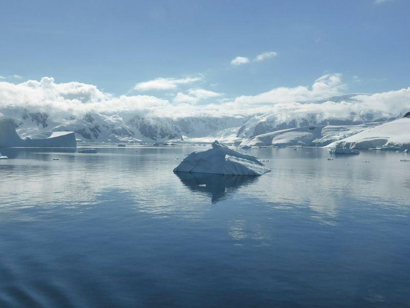 根據13日發表研究,自1992年來,南極洲已有近3兆公噸的冰消融,使海平面上升約8公釐。此為示意圖。(圖取自Pixabay圖庫)