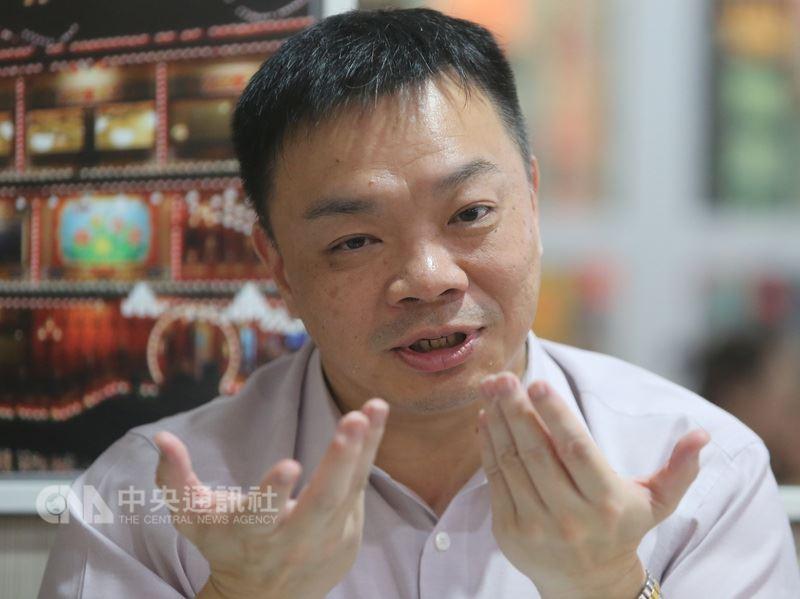 前立委高思博將代表國民黨角逐下屆台南市長,他信心十足、語氣堅定地說,「攤開我的資歷,我絕對有資格當台南市長」,無法接受空降的說法。中央社記者張榮祥台南攝 107年6月14日