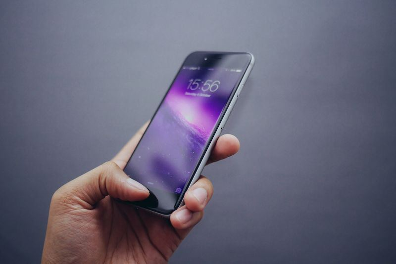 報導指出,解鎖工具「灰鑰匙」使用率越來越高;蘋果公司13日表示,正在強化iPhone手機的加密功能。(圖取自Pixabay圖庫)