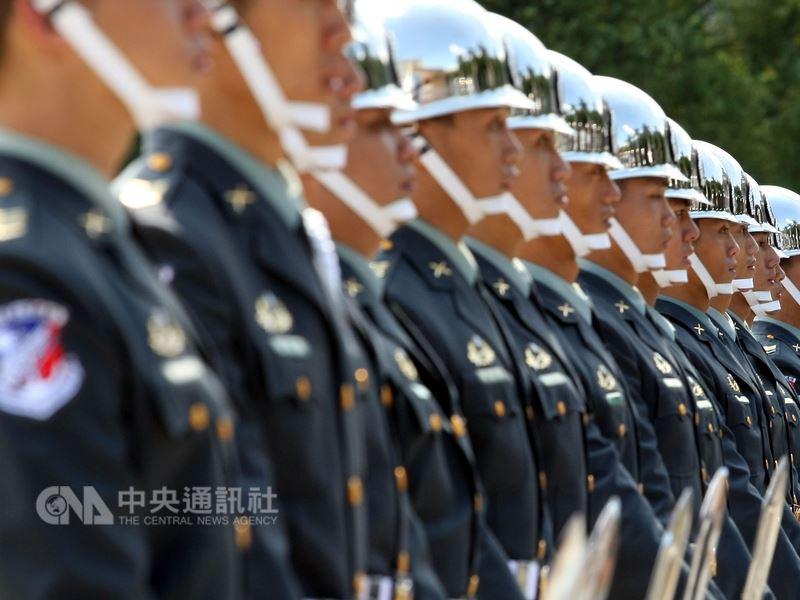 軍公教年金改革7月1日上路,共約33萬3000人受影響。(中央社檔案照片)