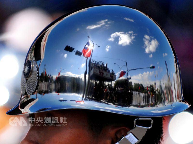 軍公教年金改革1日全面上路。(中央社檔案照片)