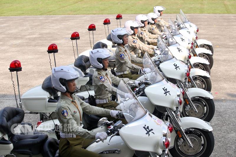 軍公教年金新制上路,台灣世代智庫2日公布民調指出,針對此次年改結果,滿意的民眾占55%。(中央社檔案照片)