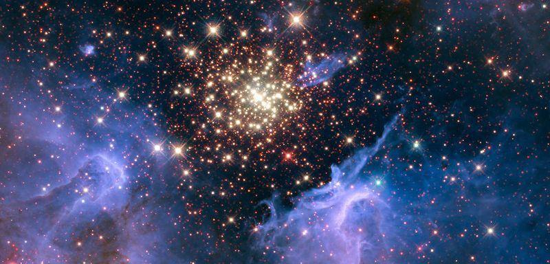 NASA4日發布一張閃閃發光星星的圖片,NASA表示,這片星雲距離地球兩萬光年遠,屬於船底座(Carina)。(圖取自NASA網頁www.nasa.gov)