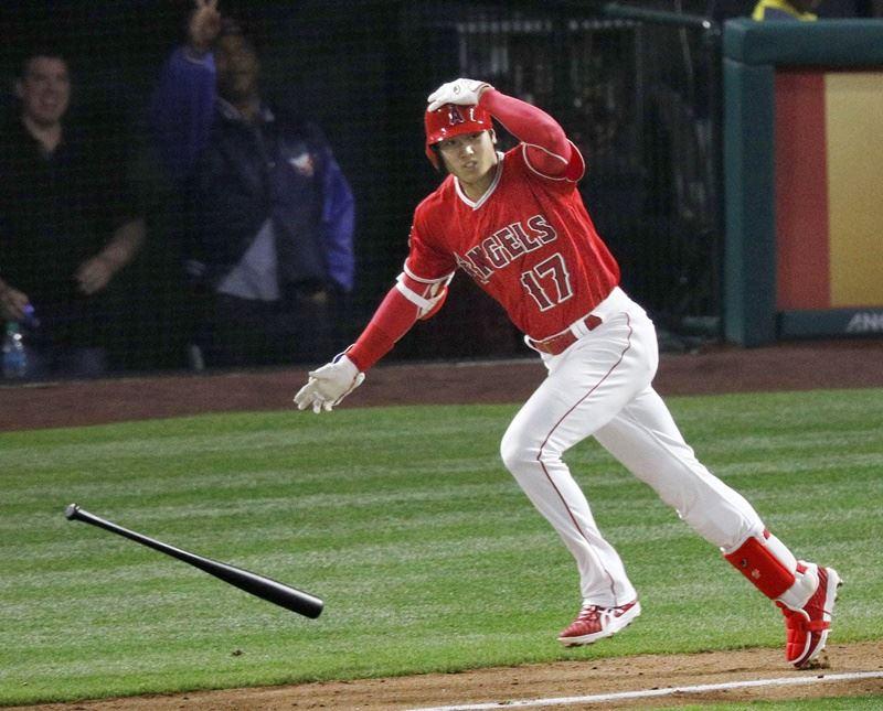 日本職棒球星大谷翔平,挾二刀流名號闖蕩美國職棒大聯盟,掀起旋風。(檔案照片/共同社提供)