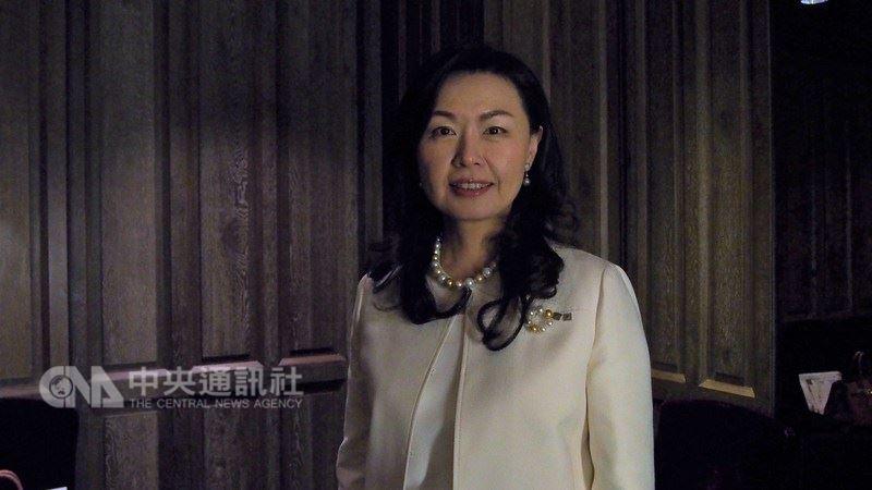 吳文繡37歲時成為日本證券界首位女性總裁,也是首位外籍總裁,帶領公司開疆闢土,談及成功秘訣,她說,「沒有捷徑」,全靠持續學習及誠意滿滿的「溝通」。 中央社記者廖禹揚攝 107年7月8日