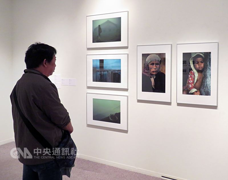 張照堂等11名台灣當代最具代表性攝影家的作品,7日起在日本四大專業美術館之一的清里攝影美術館展出,主題是「回望-台灣攝影家的島嶼凝視1970s-1990s」。中央社記者楊明珠日本山梨攝 107年7月10日