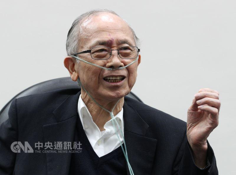 中華經濟研究院董事長、中央研究院士胡勝正10日傍晚病逝台大醫院,享壽78歲。(中央社檔案照片)