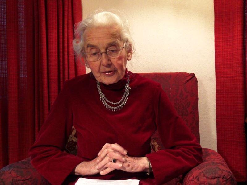 海佛貝克堅稱,指控德國納粹大規模屠殺數以百萬計的猶太人和其他人種,「只是一種看法」。(圖取自UrsulaHaverbeckYouTube頻道www.youtube.com)