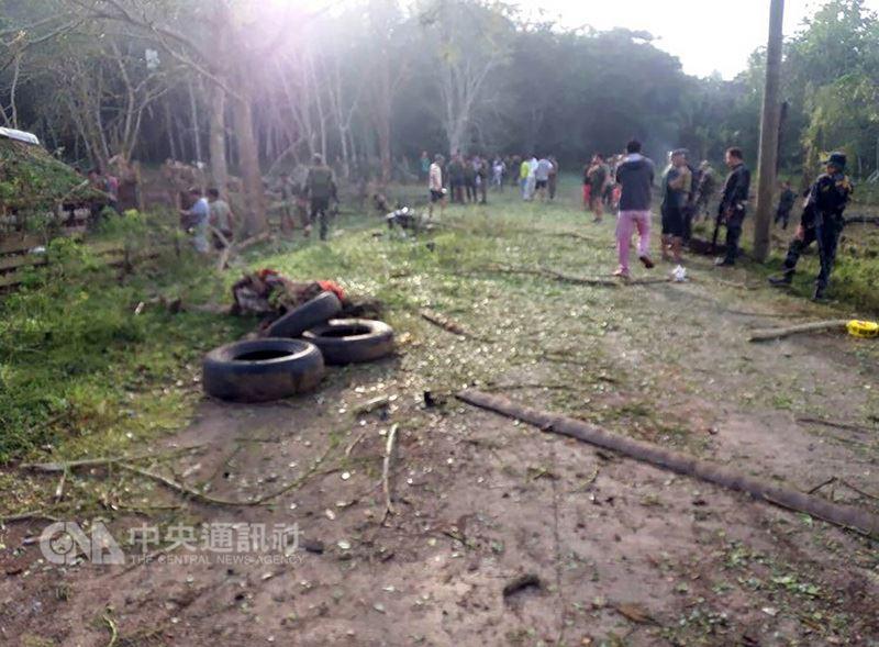 7月31日清晨5時50分左右,菲律賓南部拉米坦市(Lamitan)發生汽車炸彈攻擊事件,民眾憂心恐怖主義死灰復燃。(菲律賓西民答那峨島軍區提供)中央社記者林行健馬尼拉傳真 107年8月5日