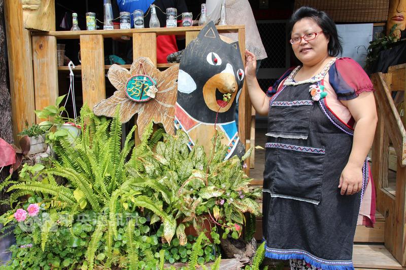 逐鹿社區「小舌菊」工作坊女主人杜沛雯(圖)家園被莫拉克颱風摧毀,她與夫婿被安置在山下的永久屋,將永久屋工作坊打造得原味十足。中央社記者江俊亮攝107年8月8日