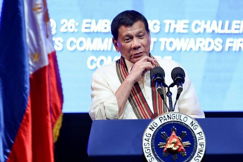菲律賓警方數據顯示,杜特蒂總統家鄉納卯市的性侵案居菲國之冠,杜特蒂30日對此回應說,這是因為納卯市的女生都很漂亮之故。(圖取自杜特蒂臉書facebook.com/rodyduterte)
