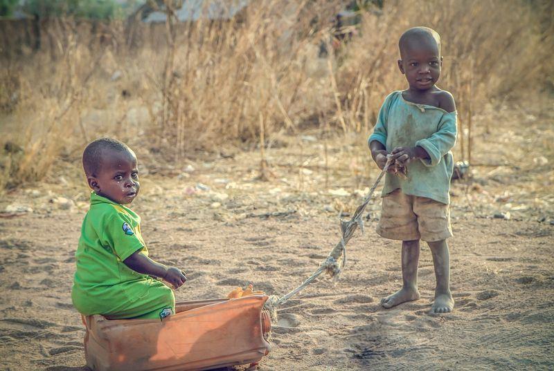 研究報告指出,非洲衝突除直接傷害幼童,長期以來也造成非洲孩童死亡和發育遲緩。(圖取自Pixabay圖庫)