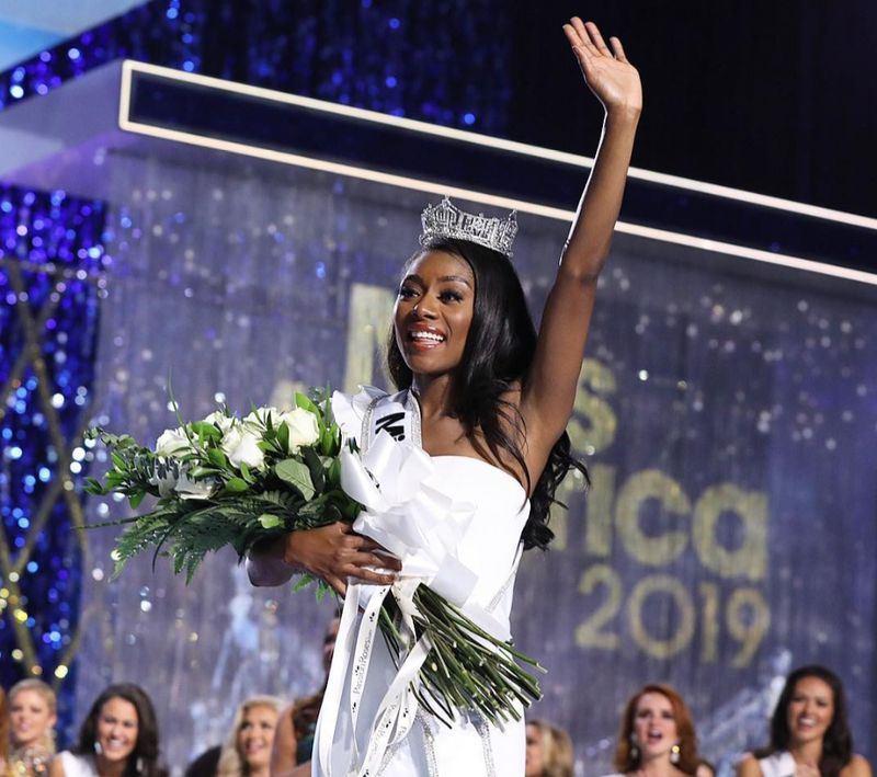 紐約小姐佛蘭克林9日勇奪美利堅小姐后冠,成為不用參加泳裝競賽環節而獲此殊榮的第一人。(圖取自Instagram網頁www.instagram.com)