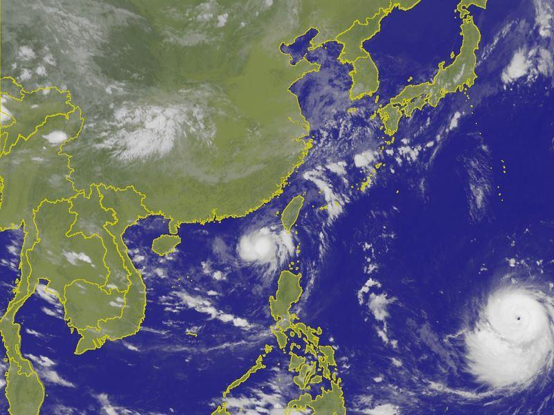 10日影響台灣天氣的熱帶性低氣壓,已漸遠離台灣,對台灣威脅減小,即使形成颱風,也不會發布颱風警報。(圖取自中央氣象局網站 www.cwb.gov.tw)