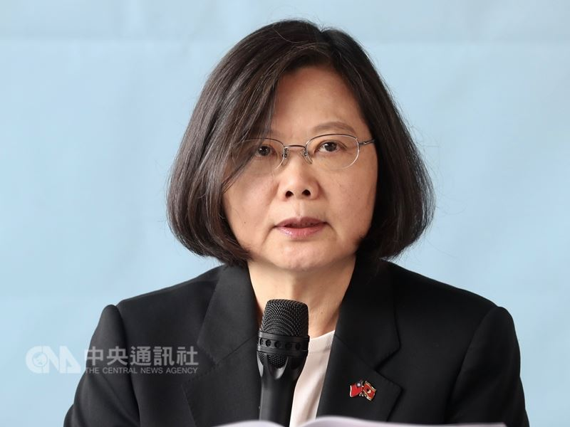 為期4天的政軍兵推落幕,國防部12日公布相關影片中,總統蔡英文表示「團結的台灣絕對不會被擊倒」。(中央社檔案照片)