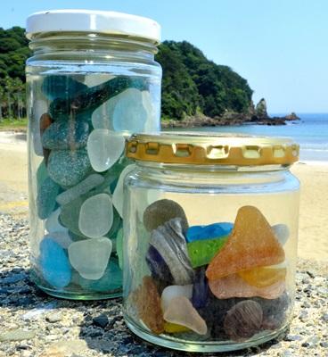 可作為海灘貨幣使用的海灘玻璃,顏色越特殊可換得的獎勵就越高。