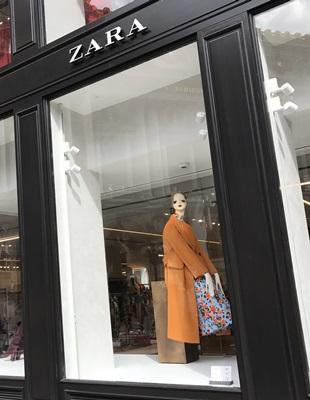 Zara在全球約90國擁有數千家門市。圖為Zara位於巴黎的門市。